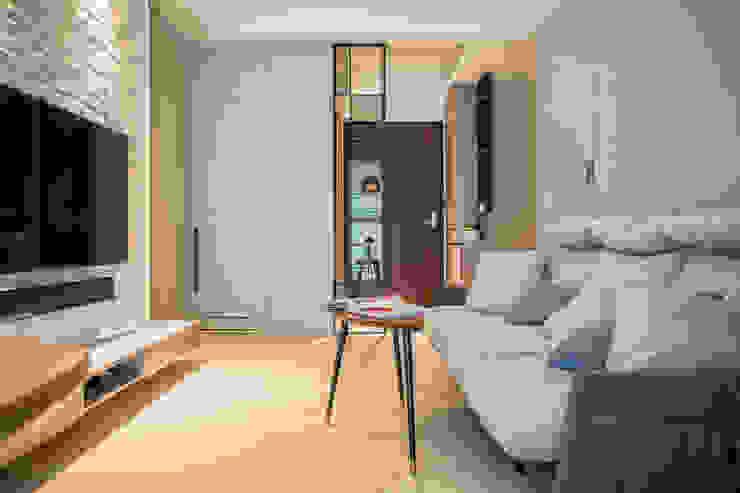 現代簡約舞春秋 根據 富亞室內裝修設計工程有限公司 北歐風 複合木地板 Transparent