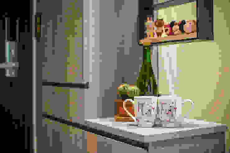 現代簡約舞春秋 现代客厅設計點子、靈感 & 圖片 根據 富亞室內裝修設計工程有限公司 現代風 木頭 Wood effect