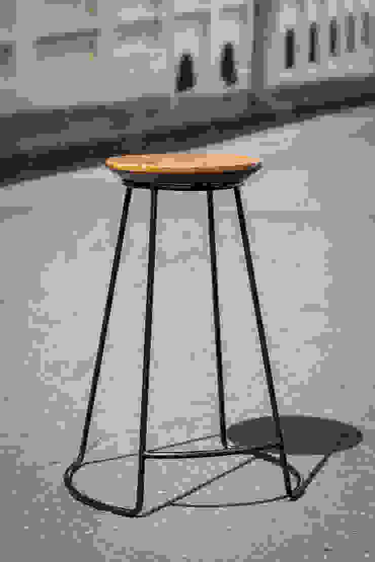 Silla de bar Jack I :  de estilo industrial por SquareTop Design, Industrial Metal