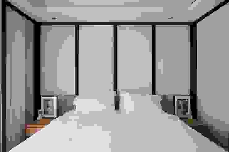 臥房也延續經典黑白風格 直方設計有限公司 Classic style bedroom