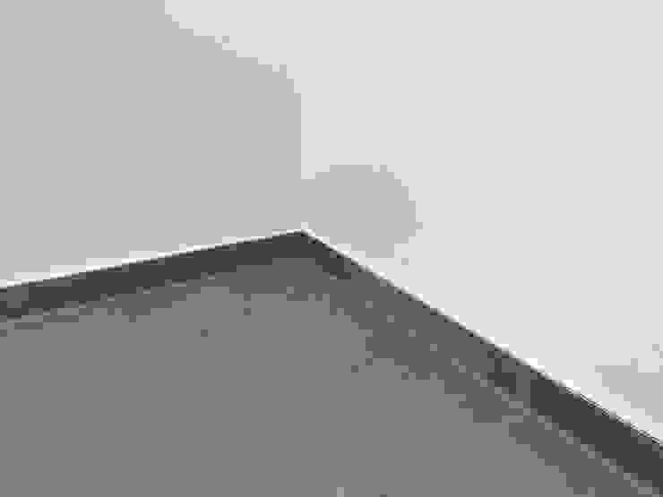 Will GmbH Modern corridor, hallway & stairs
