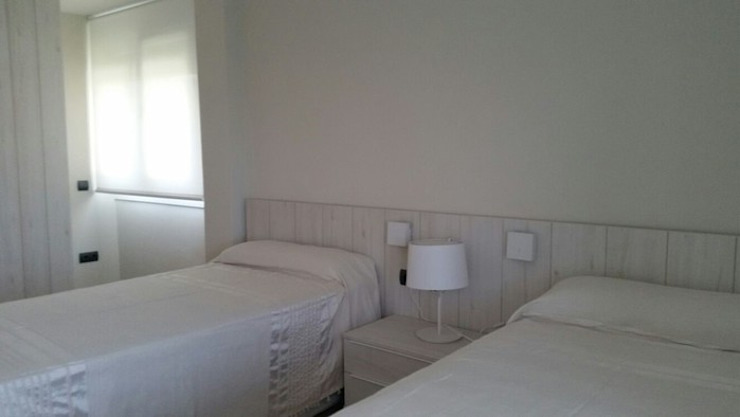 в . Автор – Qum estudio, tienda de muebles y accesorios en Andalucía