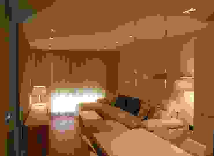 Гостиная в . Автор – Qum estudio, tienda de muebles y accesorios en Andalucía