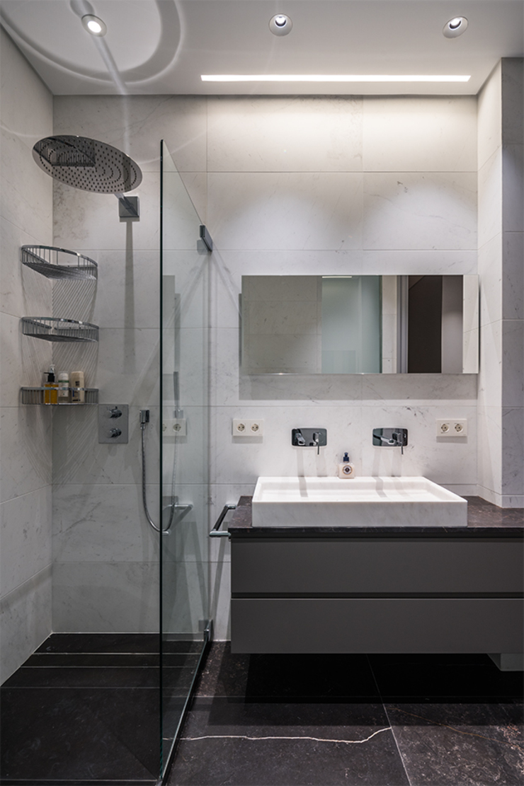 Classic style bathroom by AGi architects arquitectos y diseñadores en Madrid Classic