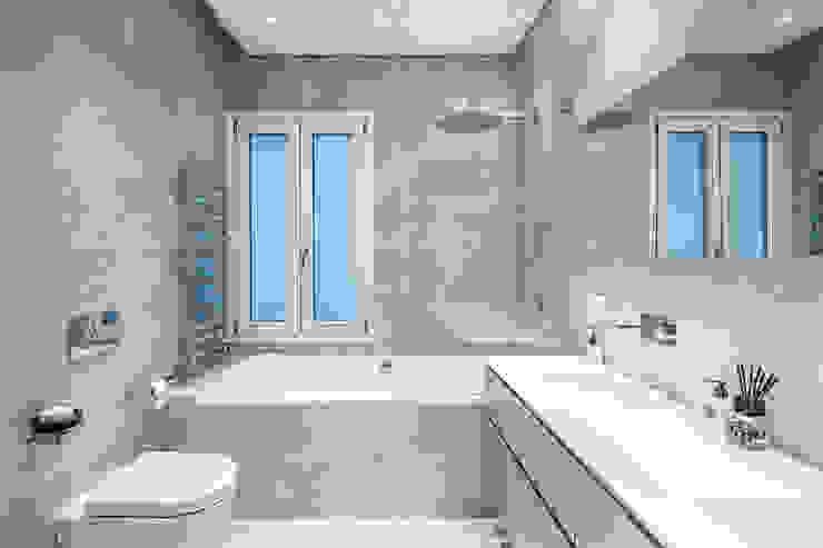 Baños de estilo  por AGi architects arquitectos y diseñadores en Madrid