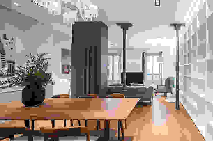 Reforma integral de un piso clásico en Madrid Salones de estilo clásico de AGi architects arquitectos y diseñadores en Madrid Clásico