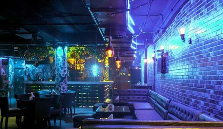 Restaurant pub Classic bars & clubs by Katoch Infracity India Private Limited Classic Bricks
