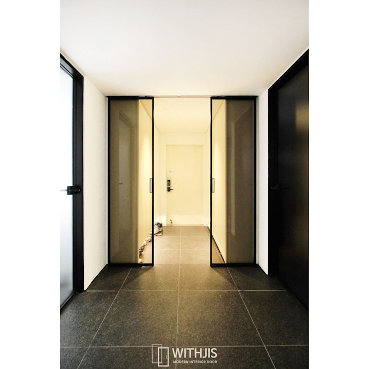 Modern corridor, hallway & stairs by WITHJIS(위드지스) Modern Aluminium/Zinc