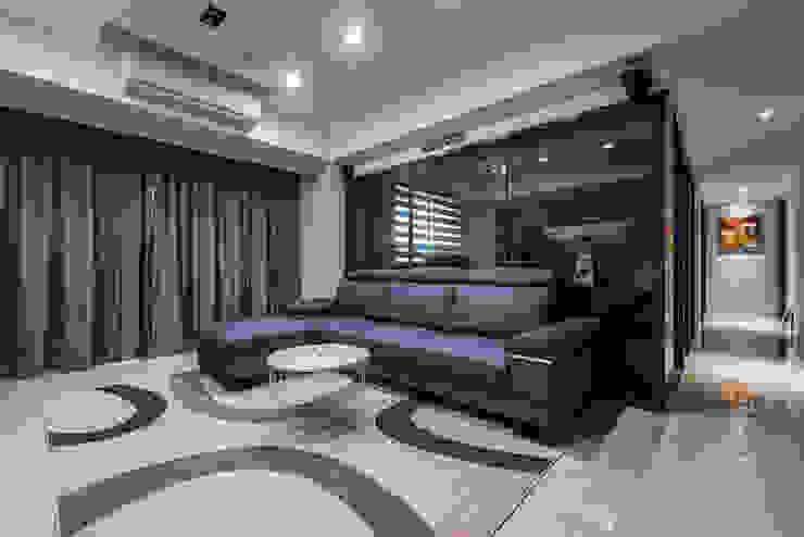 沉穩大氣-將捷家和 富亞室內裝修設計工程有限公司 客廳 金屬 Black