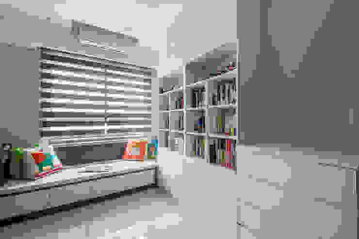沉穩大氣-將捷家和 富亞室內裝修設計工程有限公司 嬰兒房/兒童房 MDF White