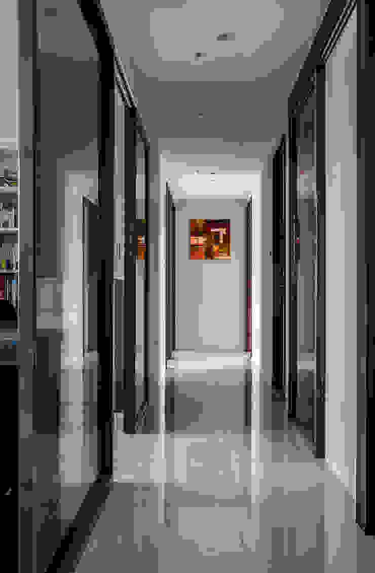 沉穩大氣-將捷家和 富亞室內裝修設計工程有限公司 現代風玄關、走廊與階梯 金屬 Brown