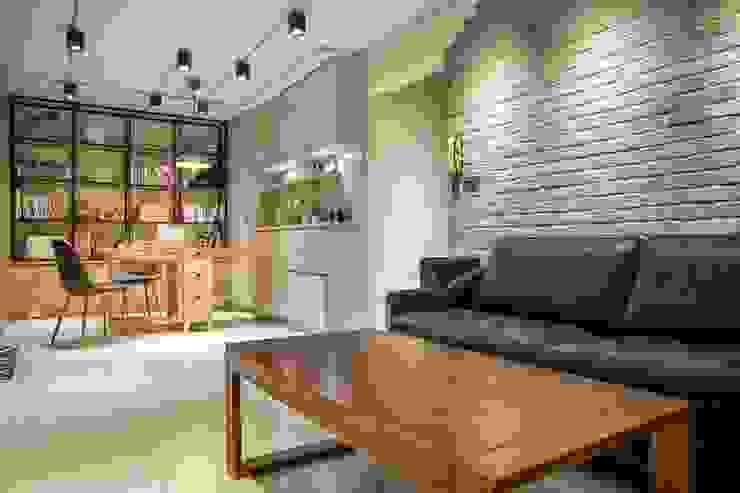 輕質工業-成功美宅 根據 富亞室內裝修設計工程有限公司 工業風 石板