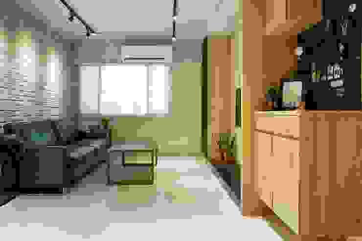 輕質工業-成功美宅 工業風的玄關、走廊與階梯 根據 富亞室內裝修設計工程有限公司 工業風 木頭 Wood effect