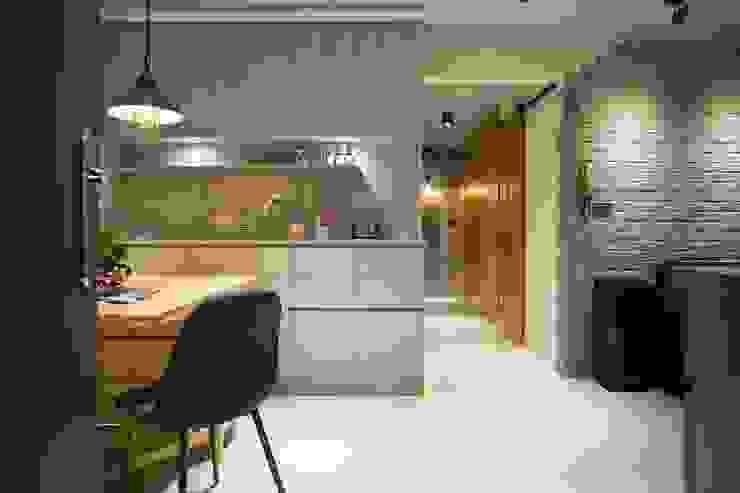 輕質工業-成功美宅 根據 富亞室內裝修設計工程有限公司 工業風 MDF