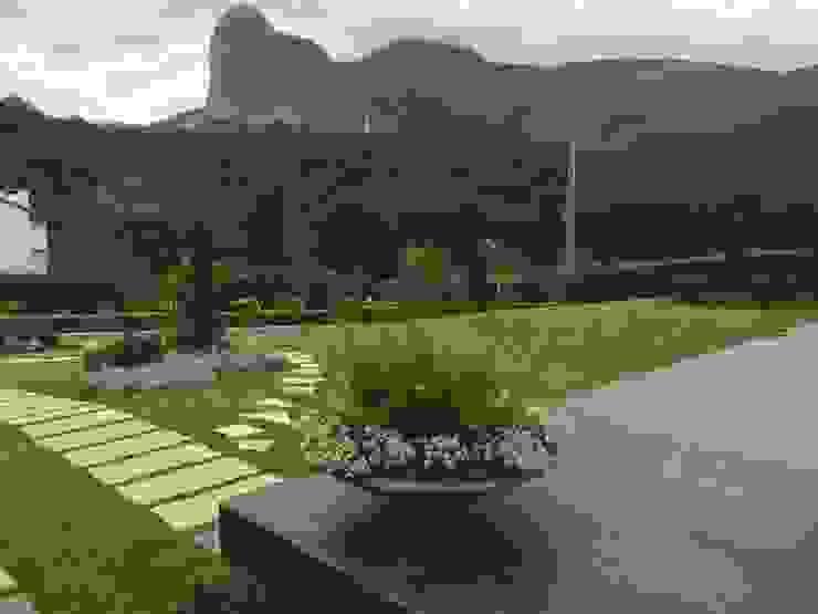 Carlos Eduardo de Lacerda Arquitetura e Planejamento Front yard