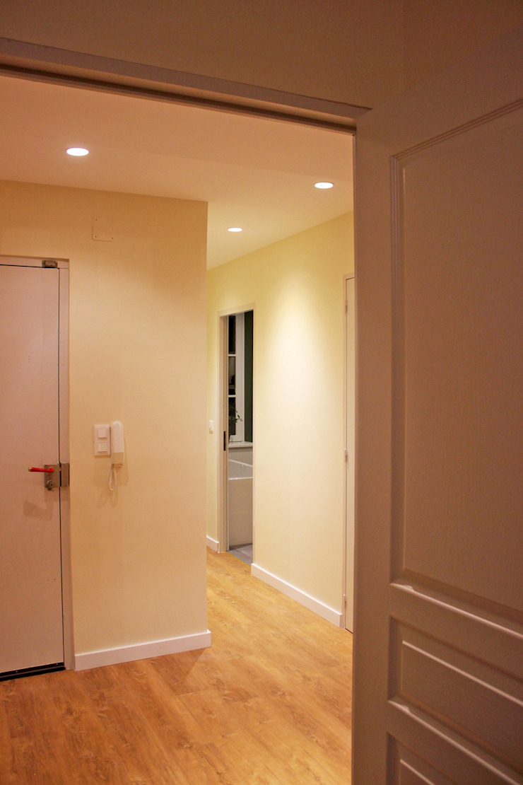 Agence ADI-HOME Koridor & Tangga Modern Batu Bata White