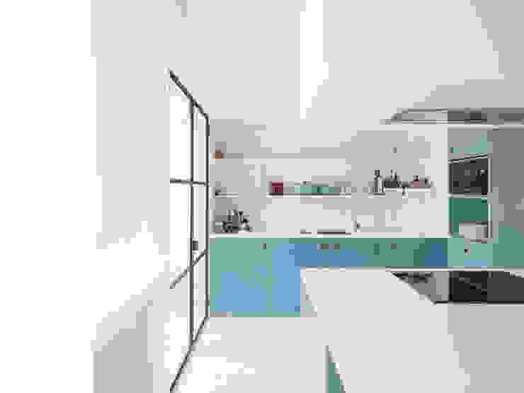APARTAMENTO NO PARQUE DAS NAÇÕES UMA Atelier Cozinhas modernas