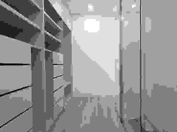CASA MOREIRA Modern dressing room by Jesus Correia Arquitecto Modern