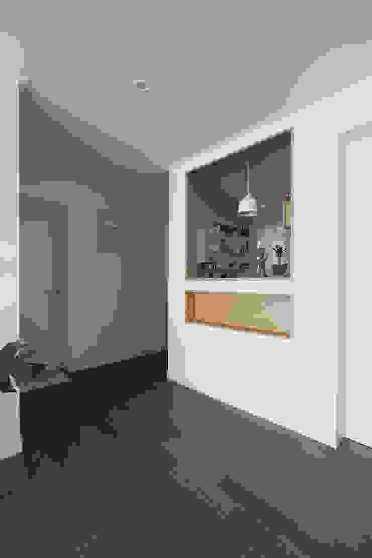 두산위브 24평형 모던스타일 거실 by 카멜레온디자인 모던