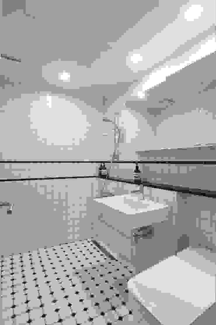 두산위브 24평형 모던스타일 욕실 by 카멜레온디자인 모던