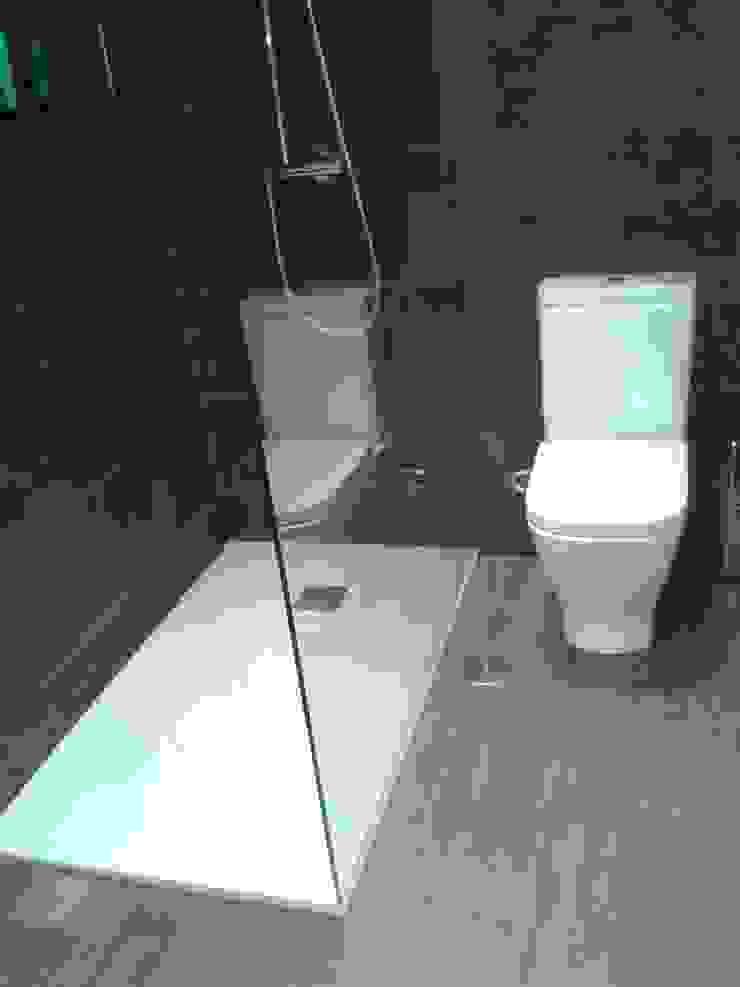 Banheiros industriais por M.Angustias Terron Industrial