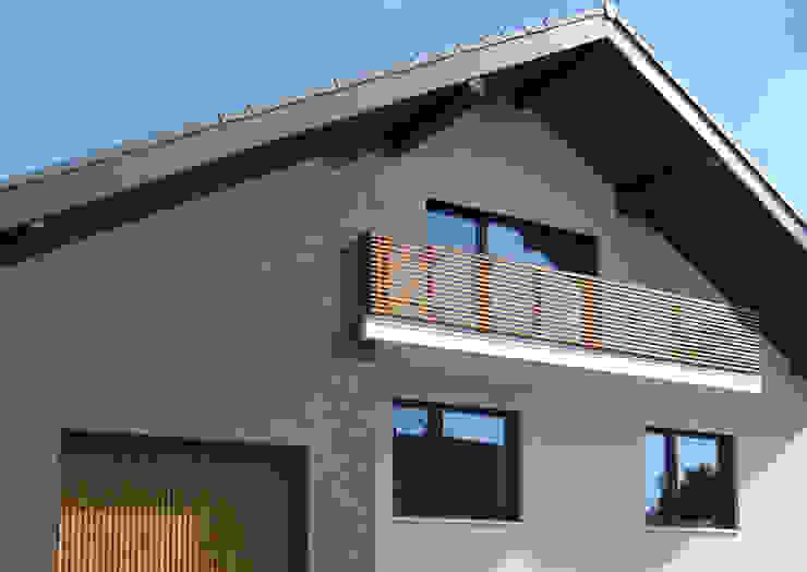 Haus für junge Familie Moderne Häuser von SISAFORM Modern