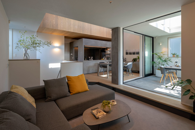 Living room by タイコーアーキテクト,