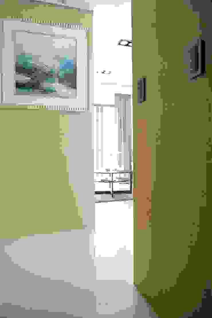 蘋果綠意北歐風 斯堪的納維亞風格的走廊,走廊和樓梯 根據 大觀創境空間設計事務所 北歐風