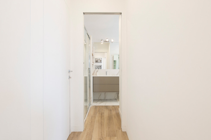 Baños de estilo moderno de Fabio Carria Moderno Mármol
