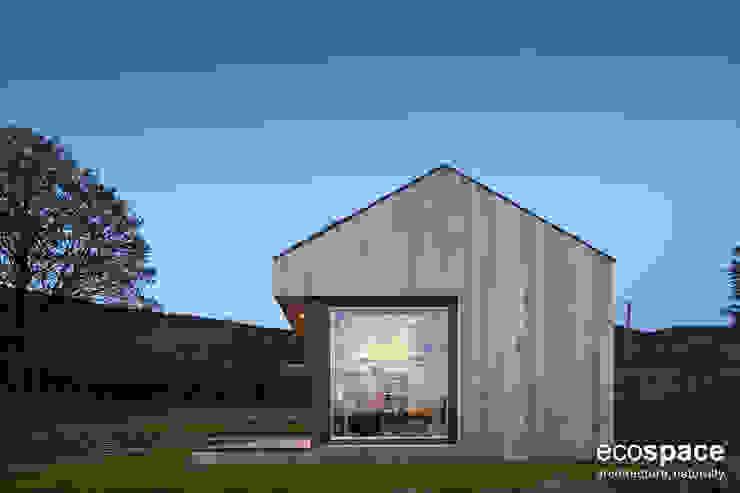 Modulo Ecospace per palestra - Vista esterna Palestra in stile moderno di Ecospace Italia srl Moderno Legno Effetto legno