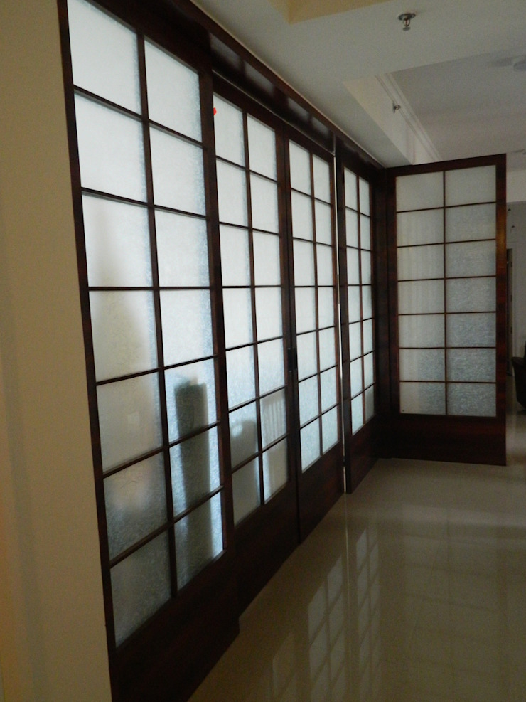 Interiors in Sharanam Modern corridor, hallway & stairs by hearth n home Modern