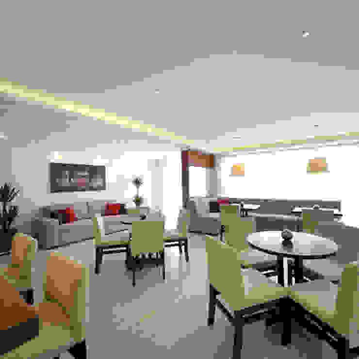 Aline Dinis Arquitetura de Interiores ห้องทานข้าว ไม้ Beige