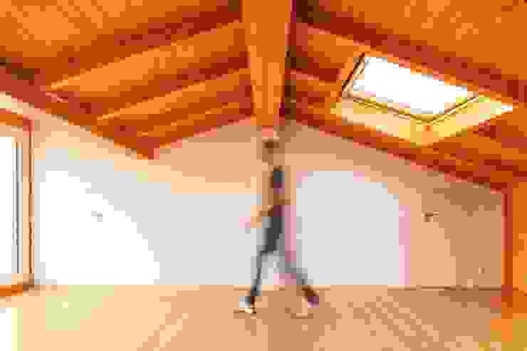 Boost Studio Spa modernos Madera Acabado en madera