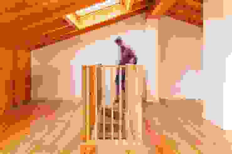 Boost Studio Cocinas de estilo moderno Madera Acabado en madera