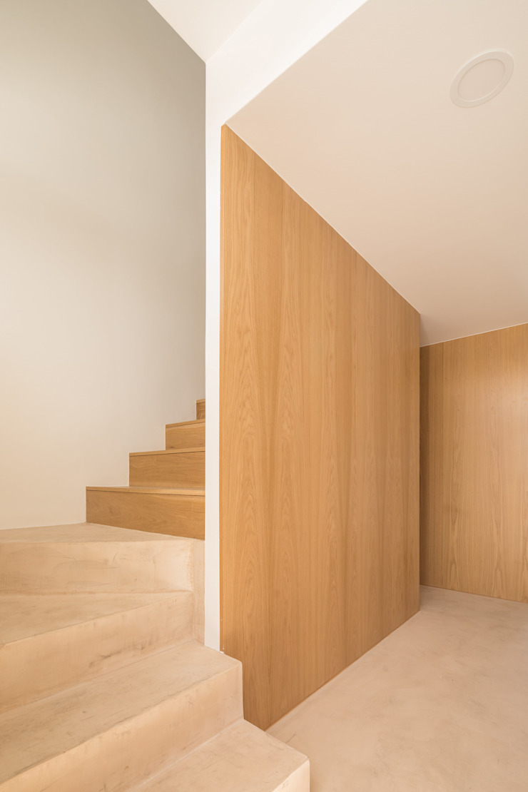 de Boost Studio Moderno Madera Acabado en madera
