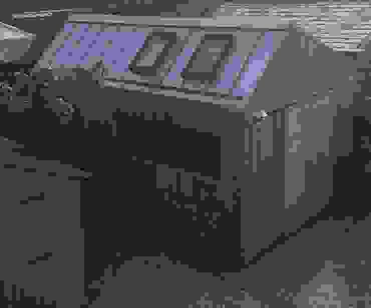 The Ungrateful shed Garasi Modern Oleh The Ungrateful shed company Modern Kayu Wood effect