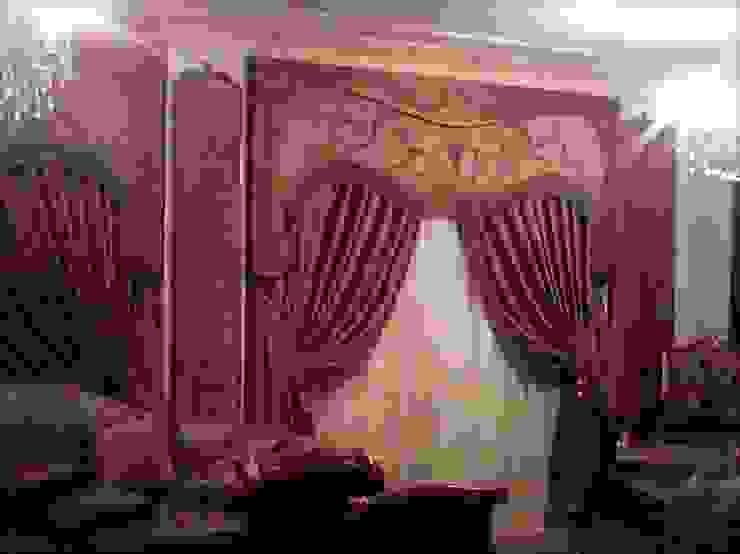 Varandas, alpendres e terraços clássicos por روزادا مصرية Clássico