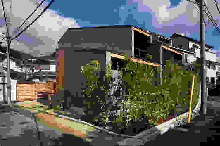 Rumah Modern Oleh 井上久実設計室 Modern