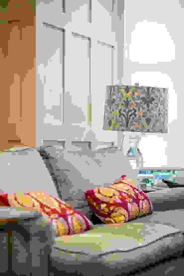 Knightbridge renovation Prestige Architects By Marco Braghiroli Classic style living room