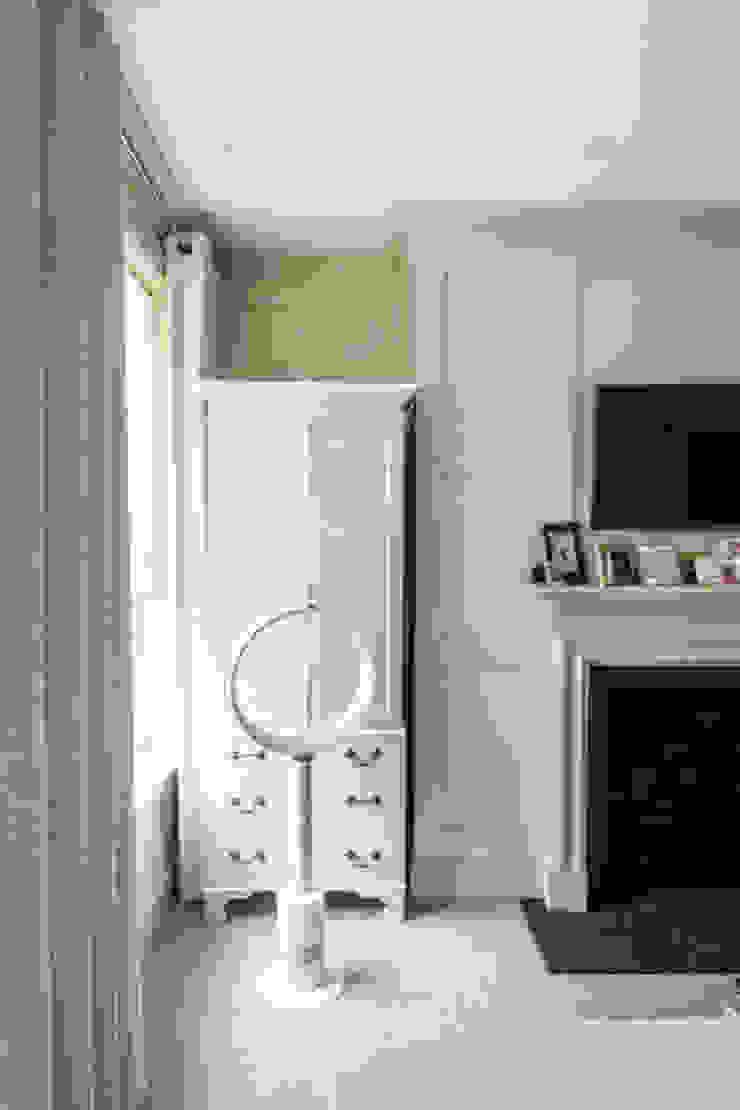 Knightbridge renovation Prestige Architects By Marco Braghiroli Classic style bedroom