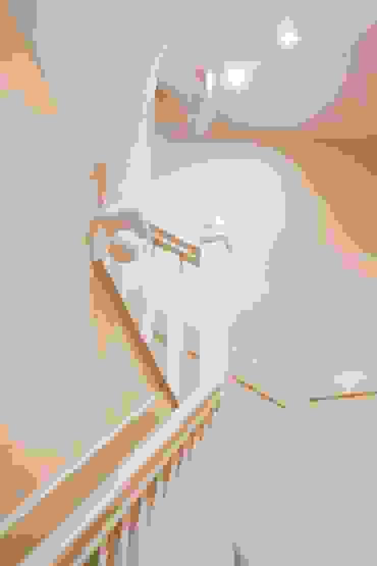 Knightbridge renovation Prestige Architects By Marco Braghiroli Stairs