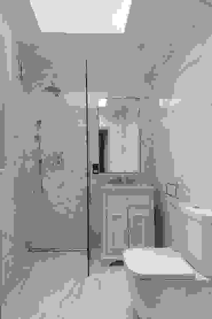 Knightsbridge Townhouse クラシックスタイルの お風呂・バスルーム の Prestige Architects By Marco Braghiroli クラシック