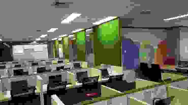 Ruang kantor Bangunan Kantor Tropis Oleh Studié Tropis