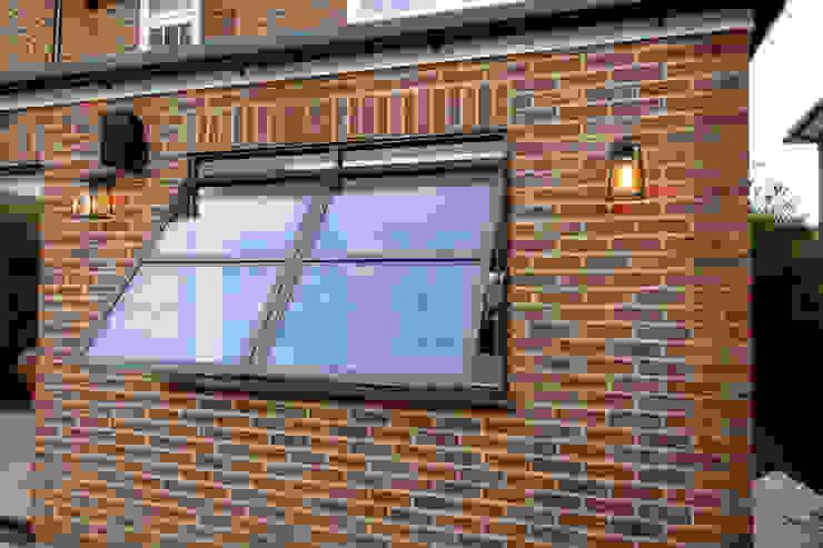 Sieger Legacy windows IQ Glass UK Modern windows & doors Aluminium/Zinc Brown