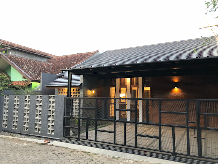 RZ House ( Tampak Depan Samping) Oleh Studié