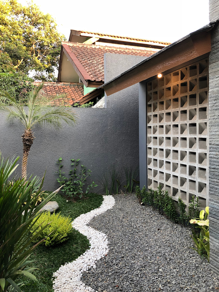 RZ House (Halaman Depan) Oleh Studié