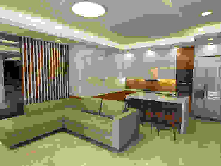 Ruang Keluarga + Dapur (Perspektif lain) Oleh Studié