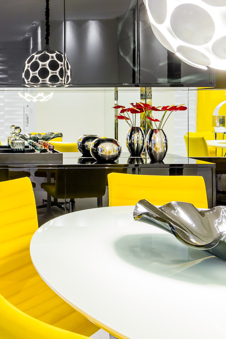 Arquitetura Sônia Beltrão & associados Dining roomAccessories & decoration Yellow