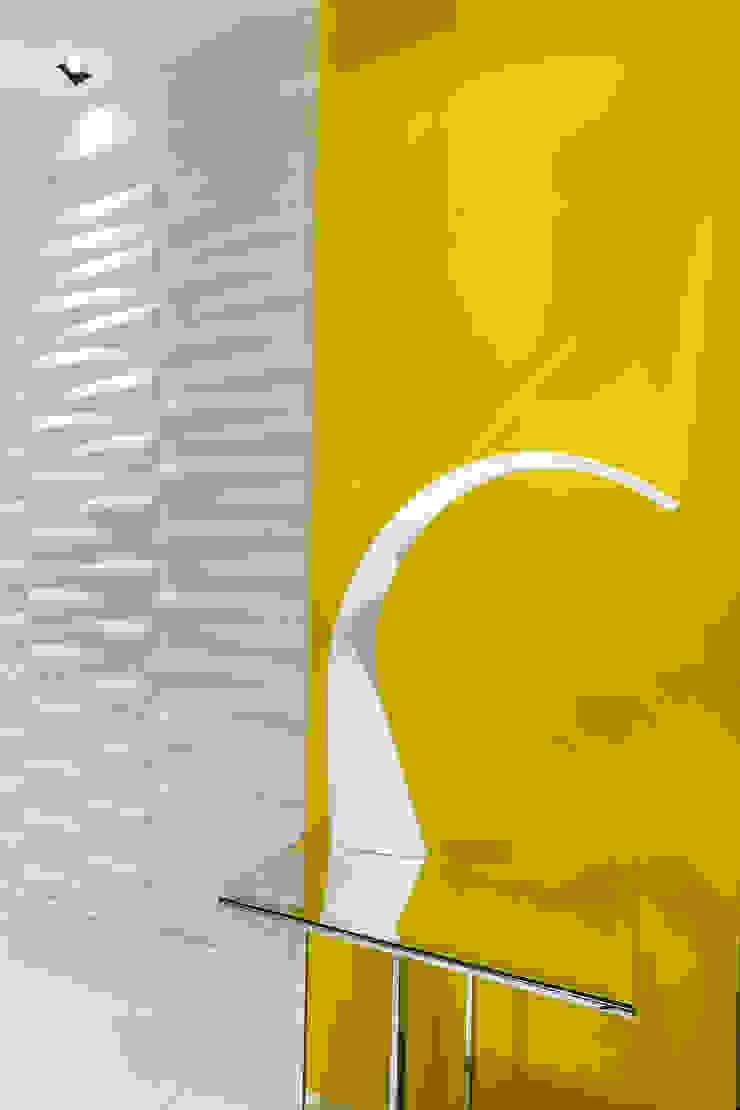 Revestimento 3D/ Decoração por Sônia Beltrão Arquitetura Moderno