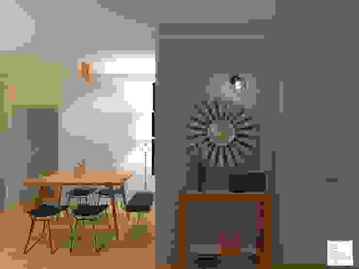 Corredores, halls e escadas escandinavos por Arquimundo 3g - Diseño de Interiores - Ciudad de Buenos Aires Escandinavo Metal